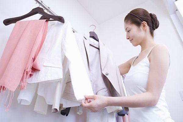 Giặt quần áo như thế nào để giữ màu được lâu